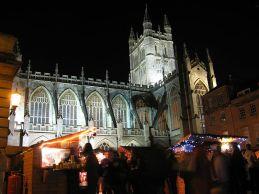 800px-Bath_Abbey,_christmas_market